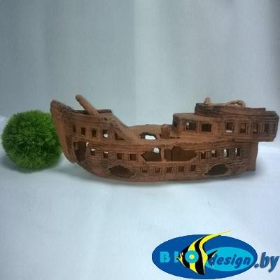 декорация в виде корабля